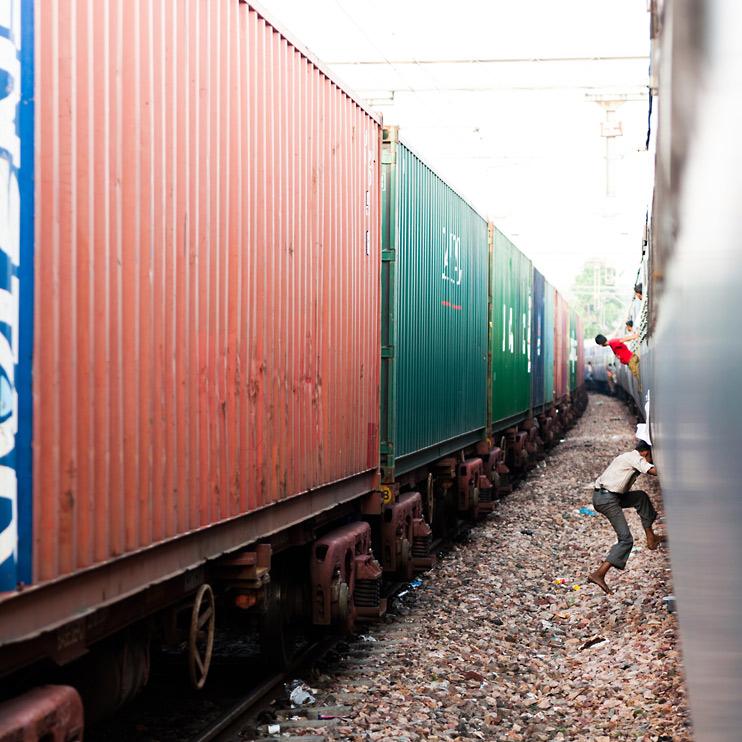 Agra, India, Jumping, Train